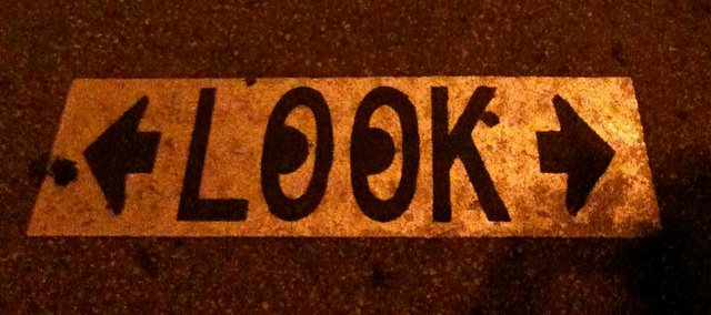 Look Sign