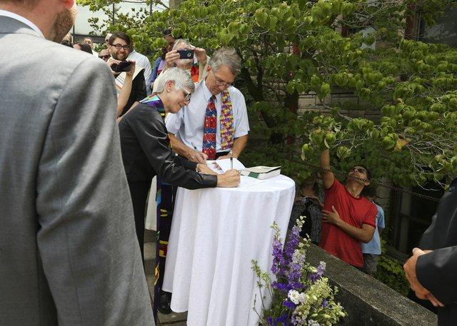 Mikita signing
