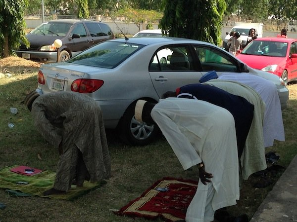 Nigerian Muslims Pray