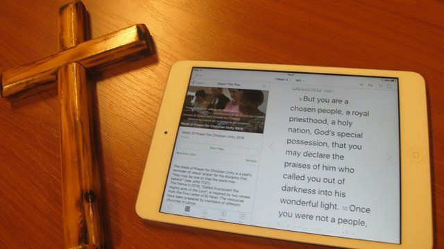 Bible app smartphone
