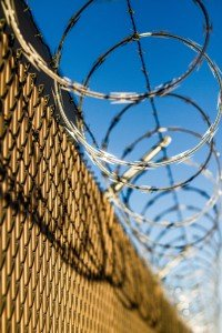 fence-macro-barbed-wire-25984-1-200x300.jpg