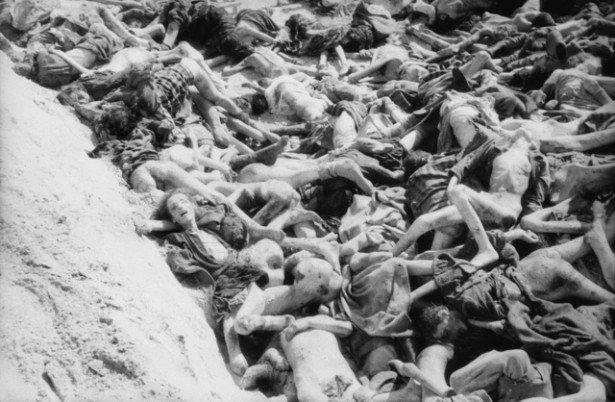 a-mass-grave-inside-Bergen-Belsen-concentration-camp-e1485381167290.jpg