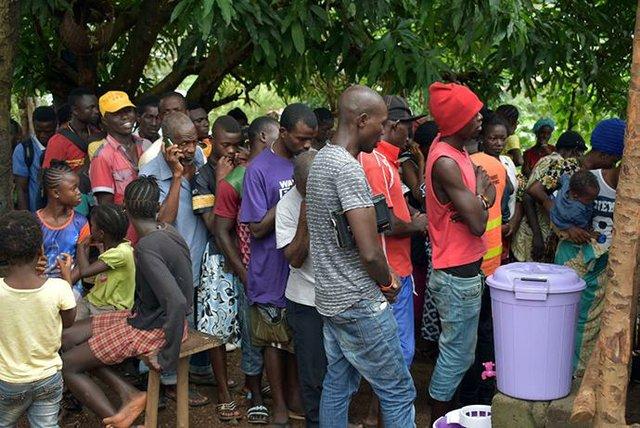 SL Mudslide Food Relief