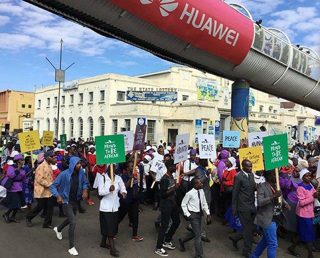 Zimbabwe Peace Crowd