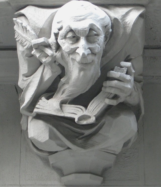 Grotesque Reader