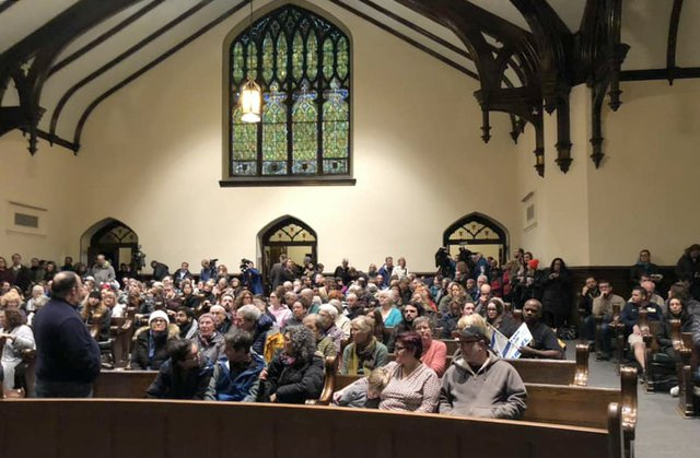 Synagogue shooting vigil