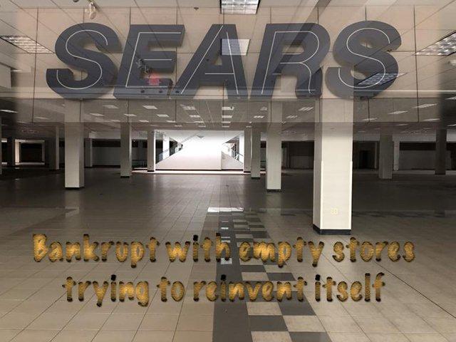 Sears-bankrupt-empty-shelves.jpg