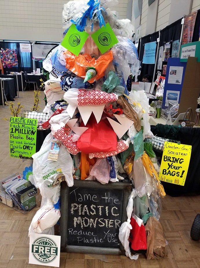 Plastic monster tree