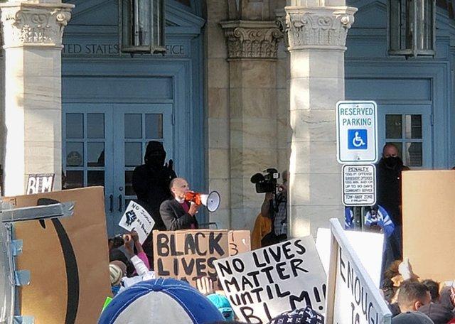 Schol Floyd Protest