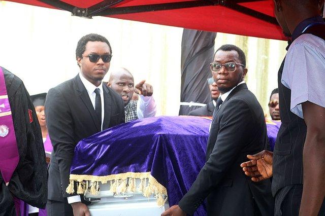 Yambasu casket