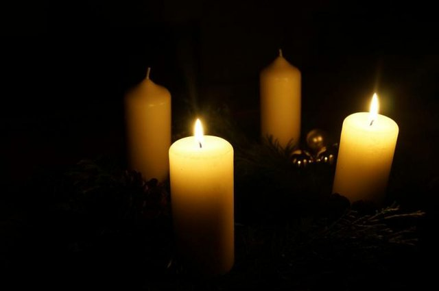 Advent wreath white