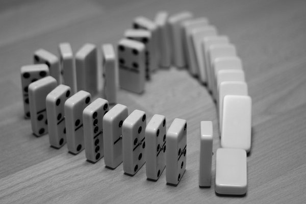 heart dominoes